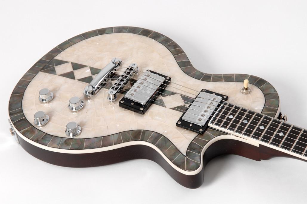 Luthier barato octubre 2012 for Guitarras de luthier